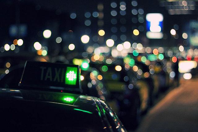 taxi sin ombligo.