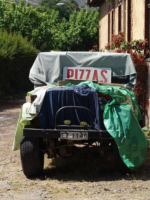 Repartidor de pizza sin ombligo